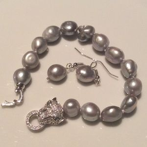 Jewelry - Large Baroque Bracelet and earrings pearl set